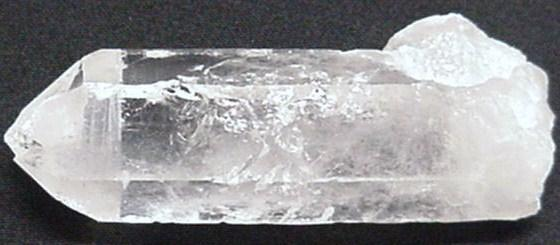 Earth Treasures États-Unis Massachusetts 4 Inches Long 5.7 Oz Clear Crystal Quartz Polished Point Rare Mineral Specimen