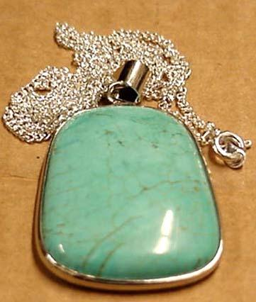 Earth Treasures Estados Unidos Massachusetts 37 Mm Long 22 Mm Wide Turquoise Pendant