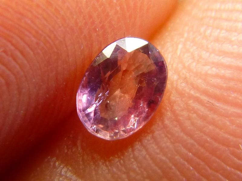 Gemtrading Turquía Izmir 0.45cts Natural Ruby , Untreated Gemstone