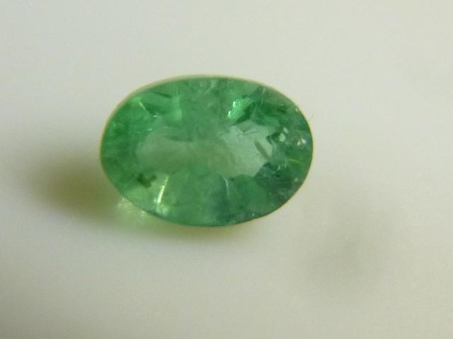 Gemtrading Turquie Izmir 0.60cts Colombian Emerald , 100% Natural Gemstone