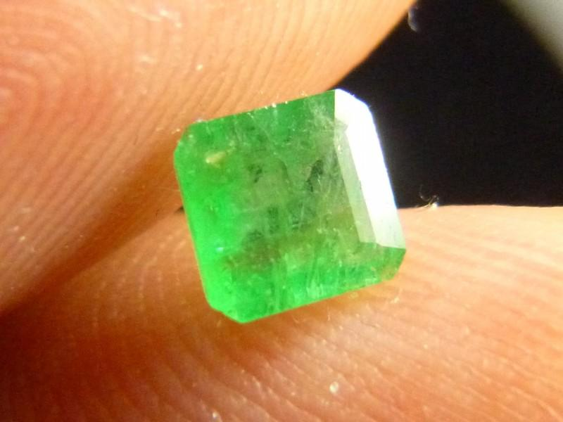 Gemtrading Turkey Izmir 0.73cts Emerald , 100% Natural Gemstone