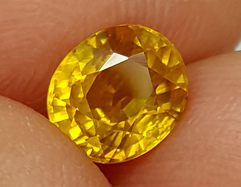 Ajwa's Gems Pakistan Khyber Pakhtunkhwa Gemstones Zircon Yellow Oval Faceted Single Very, very slight inclusions