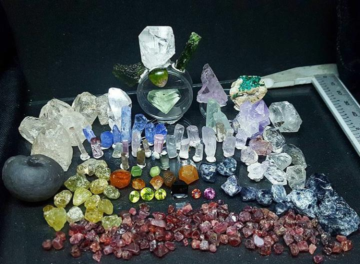 Estheticheretic USA Arizona Gemstones Multi-Color   Lot