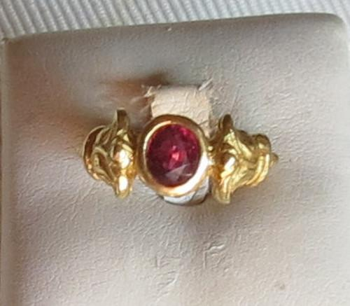 Luanap Italie Roma Ring gold 18 Kt whit ruby Siam 0,9 Kt, hand made