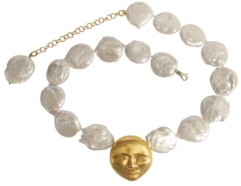 Jane A Gordon Jewelry États-Unis New York 18K Gold Face, Diamond Eyes, Huge coin pearl necklace. Someone to Watch Over Me-Sun/ Moon